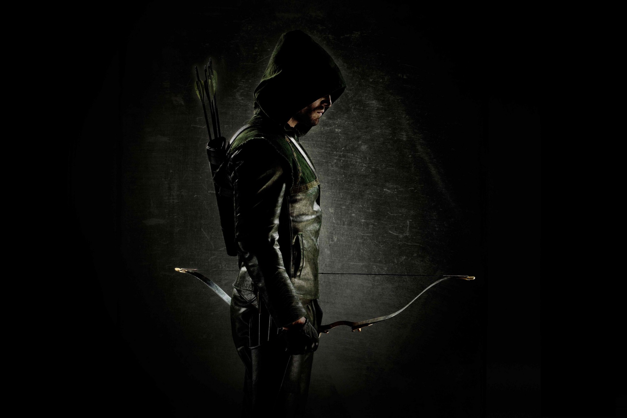 CW reveals Oscar winning designer's new Green Arrow look ...