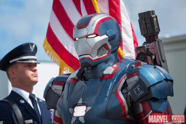 iron-man-3-iron-patriot-closeup