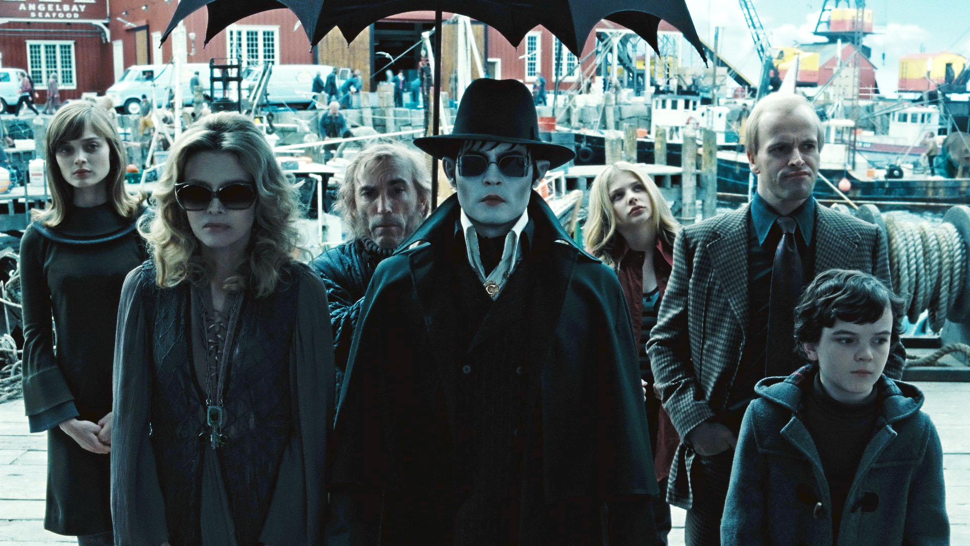 On video–Tim Burton revisits Dark Shadows | borg.com
