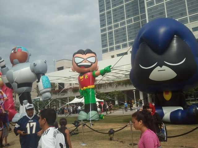 Robin balloon at Comic-Con