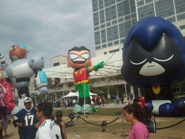 Robin balloon at Comic-Con