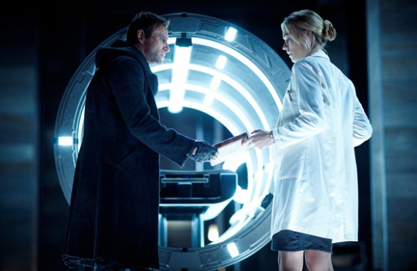 Eckhart and Strahovski in I Frankenstein