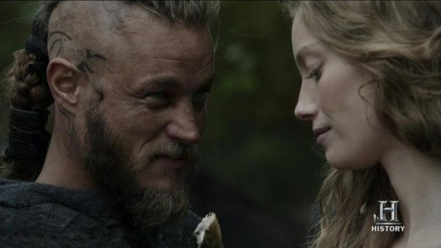 Travis Fimmel as Ragnar and Alyssa Sutherland as Aslaug in Vikings