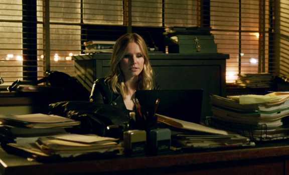 Veronica Mars back at Mars Investigations