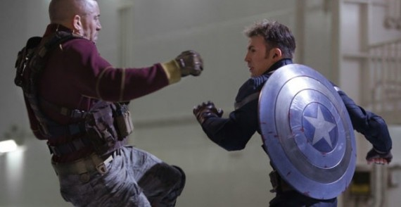 Steve-Rogers-fighting-in-Captain-America-2