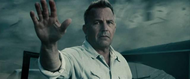 Worst scene of Man of Steel Superman lets Costner die