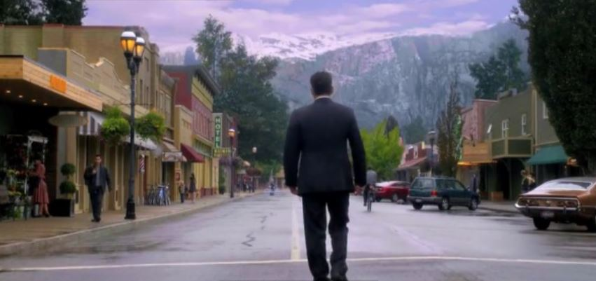 the plagued town of twin peaks Widely considered one of the most groundbreaking and influential broadcast series of all time, twin peaks followed the inhabitants of a quaint northwestern town who were stunned after their.