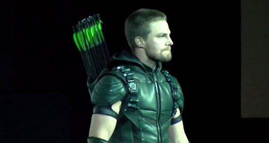 Green Arrow Stephen Amell SDCC 2015