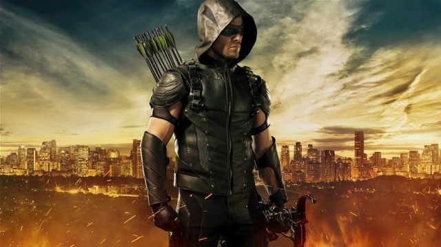 New Arrow costume from Stephen Amell