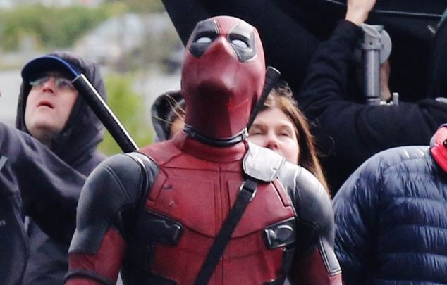 Deadpool looking up