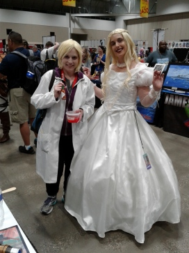 SDCC 2016 White Queen and iZombie