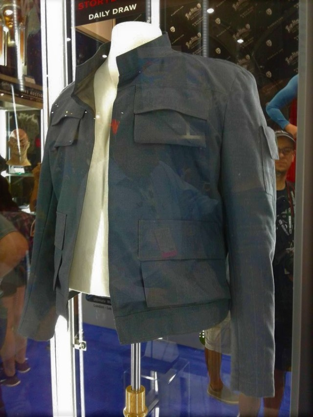 Prop Store Bespin Han jacket a